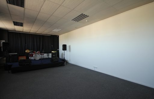 Large Space for Hire at just £15 per Hour (Meeting Room/Conferences/Classes/Gatherings/Events) - Brunel Studios, 251 Central Park - 1