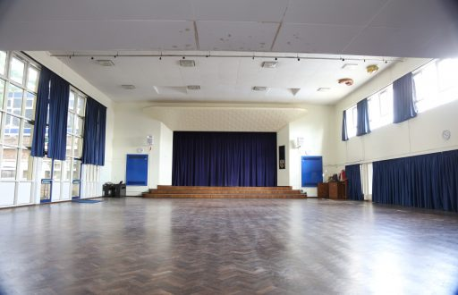 The Grange School - The Grange School Wendover Way Aylesbury Bucks - 1