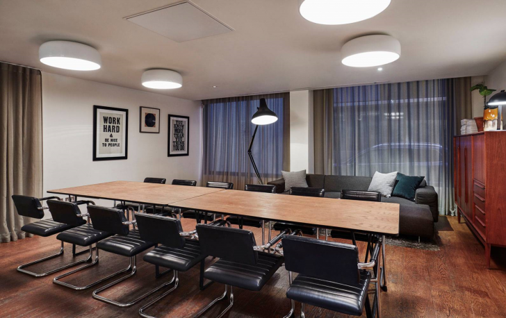 Living Room meeting space in Shoreditch Hoxton hotel | London